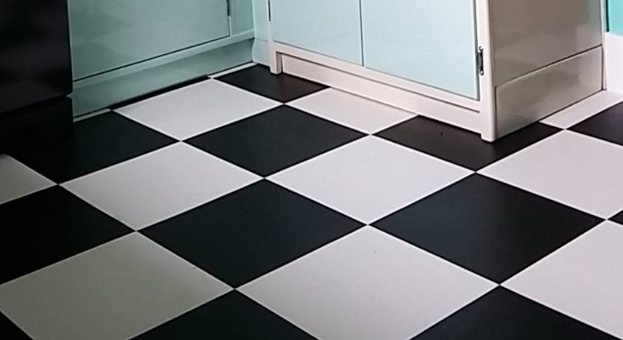 Doncaster Kitchen Fitters - Black & white checkerboard floor